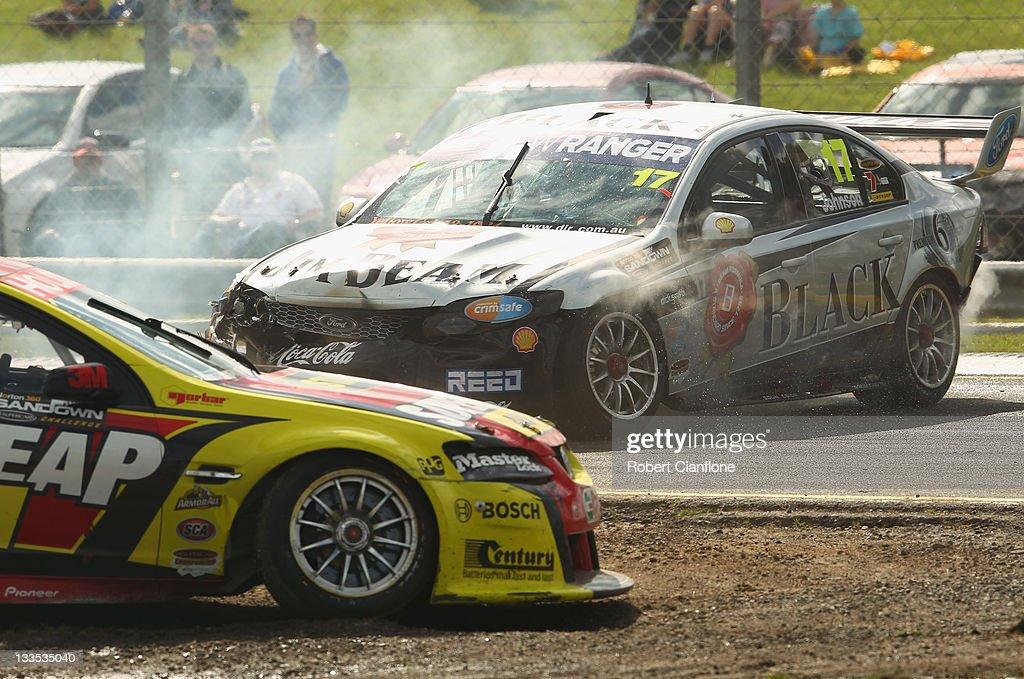 V8 Supercars Sandown Challenge - Qualifying & Race