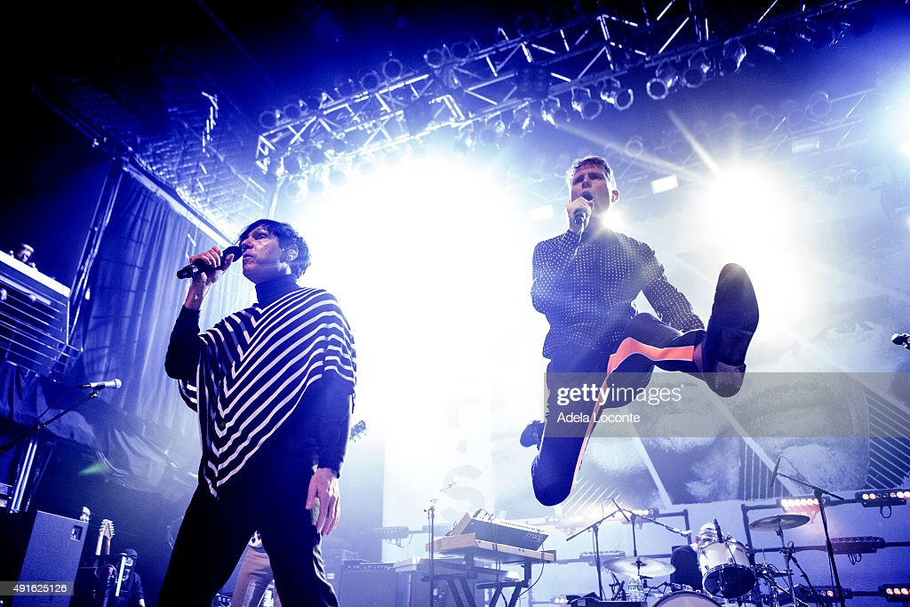 Franz Ferdinand And Sparks In Concert - New York, NY : ニュース写真
