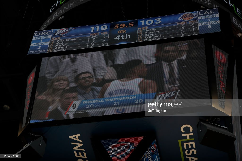 Los Angeles Lakers v Oklahoma City Thunder : Nachrichtenfoto