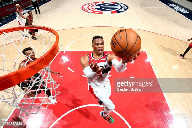 Russell Westbrook of the Washington Wizards drives to the basket against the Chicago Bulls on December 29, 2020 at Capital One Arena in Washington,...
