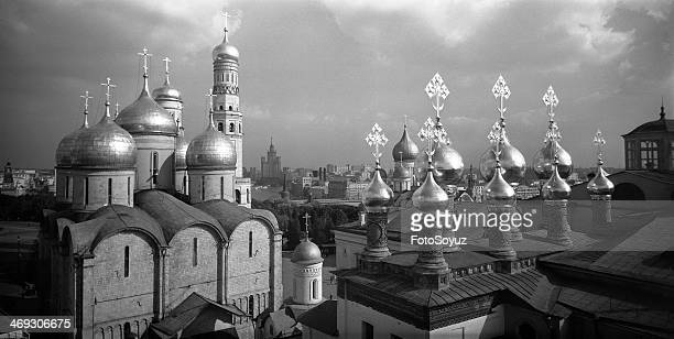 Kind on cathedrals of the Kremlin The patriarchal cathedral Uspenija Presvjatoj of the Virgin Cathedral Spasa of not Manmade Image
