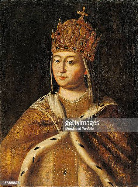 Russia Moscow Gosudarstvennyj Istoriceskij Muzej All The czarina wears a crown a golden cape with ermine border and a brooch