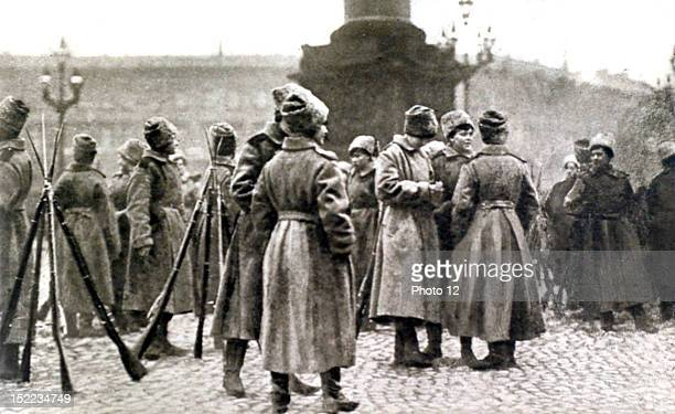 Russia Russian Revolution Kerensky's last day in Petrograd The women's battalion at the Winter Palace