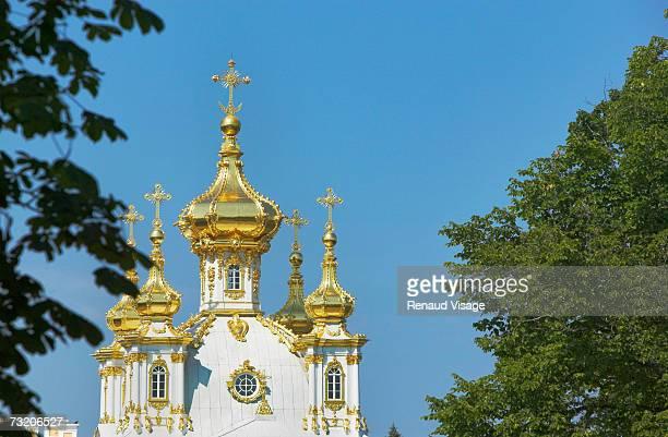 russia, st petersburg, peterhof petrodvorest palace - groot paleis peterhof stockfoto's en -beelden