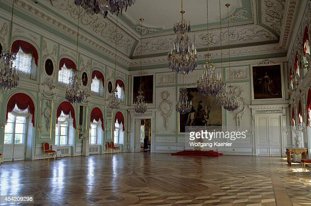 Russia, St. Petersburg, Petrodvorets, Grand Palace,.