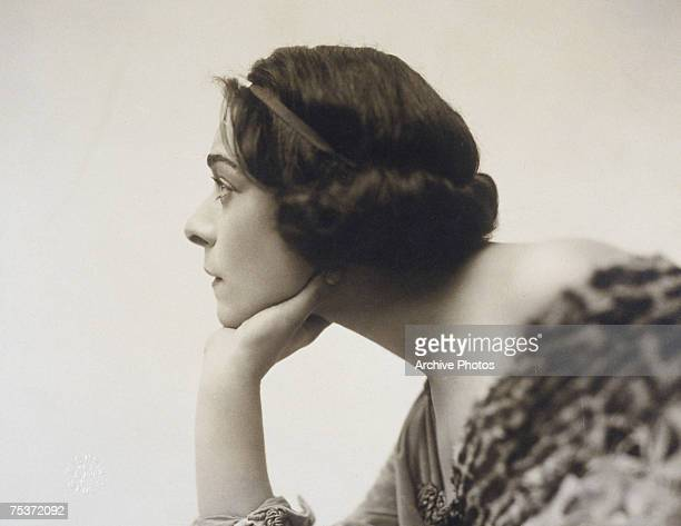 Russian actress Alla Nazimova stars in the stage play 'Bella Donna' 1912
