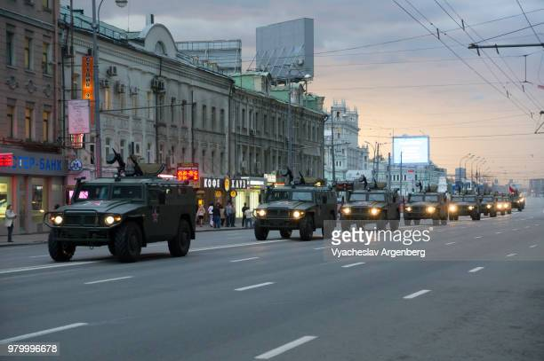 russian army on the streets of moscow, russia - argenberg stock pictures, royalty-free photos & images