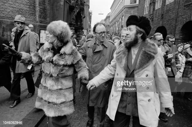 Russian author Aleksandr Solzhenitsyn arriving in Copenhagen after deported from Russia 1974 Here Danish actor Ellen Winther and Aleksandr...