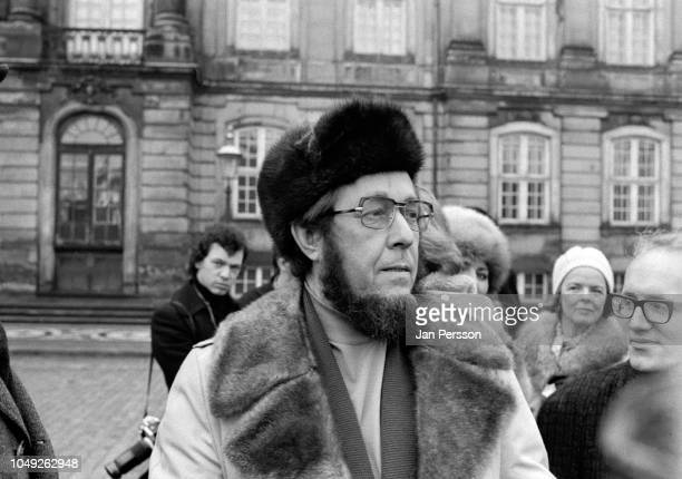 Russian author Aleksandr Solzhenitsyn arriving in Copenhagen after deported from Russia 1974