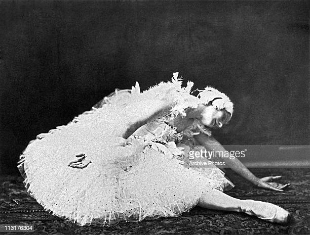 Russian ballerina Anna Pavlova performing in 'The Dying Swan' circa 1928