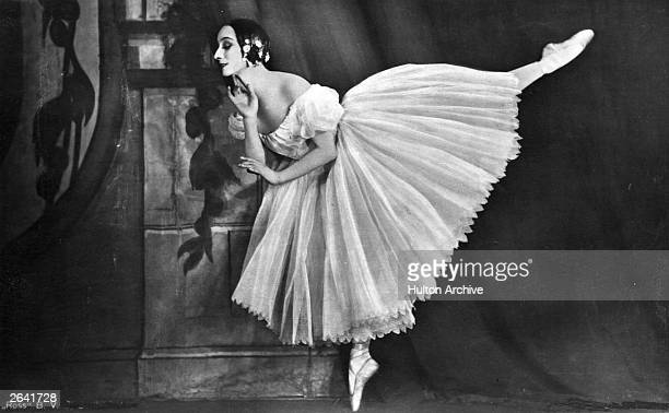 Russian ballerina Anna Pavlova perfroming in a production of 'Chopiniana' in New Zealand