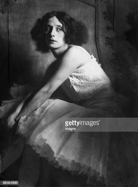 Russian Ballerina Anna Pavlowa Photography Vienna 1913 [Die russische Ballerina Anna Pavlowa Photographie Wien 1913]