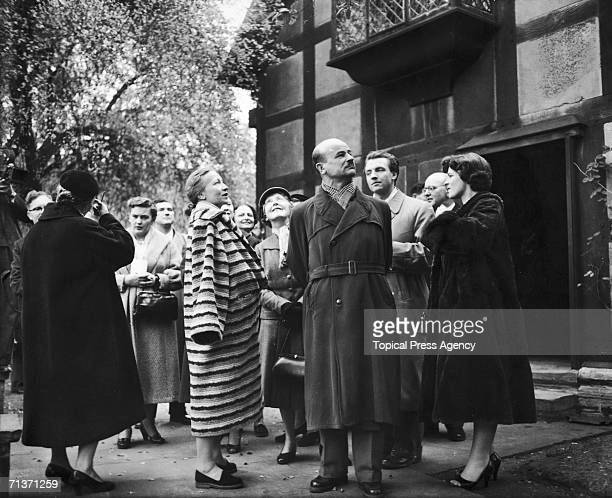 Russian ballerina Galina Ulanova and other members of the Bolshoi Ballet visiting Shakespeare's birthplace at Stratford-on-Avon, 29th October 1956.