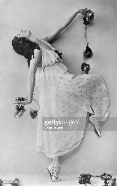 Russian ballet dancer Anna Pavlova circa 1905