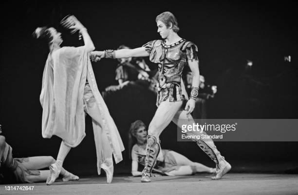Russian ballet dancers Nina Timofeeva as Aegina and Boris Akimov as Crassus in a Bolshoi Ballet production of Aram Khatchaturian's 'Spartacus' at the...