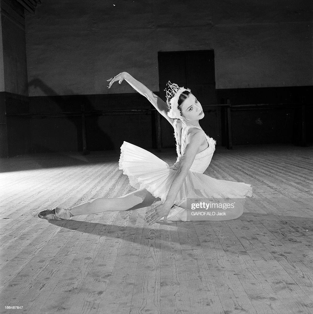 Exceptionnel Russian Ballets. 15 juin 1956 une danseuse classique soviétique En  UE77