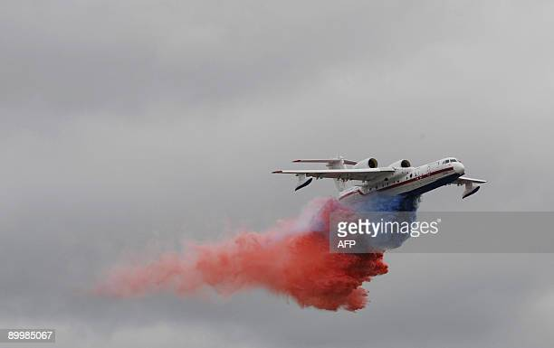 Russian Beriev Be-200 amphibious aircraft performs during the MAKS 2009 international aerospace show outside Moscow in Zhukovsky on August 21, 2009....