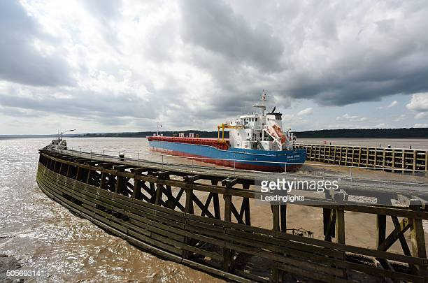russian cargo ship leaving sharpness dock. - severn river stock pictures, royalty-free photos & images