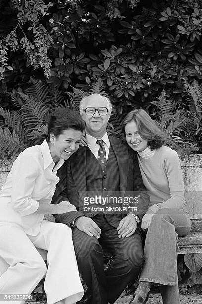 Russian cellist and conductor Mstislav Rostropovitch with his wife Galina and daughter Olga