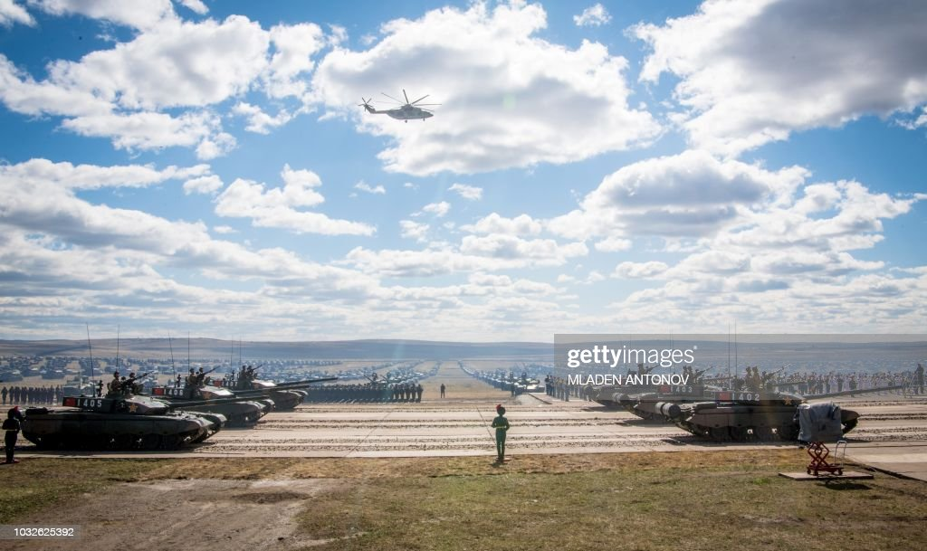 TOPSHOT-RUSSIA-DEFENCE-ARMY-DRILLS : News Photo
