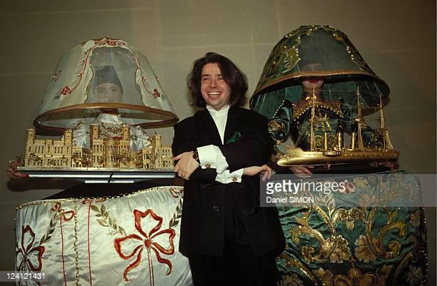 Russian designer Valentin Yudashkin fashion show at the Russian Embassy in Paris, France on January 31, 1991 - Valentin Yudashkin.