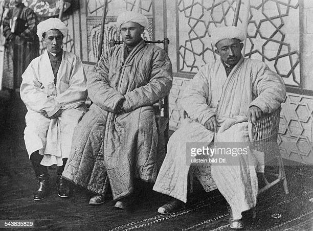 Russian Empire Central Asian governorates Turkestan local men in traditional clothing 1917 Photographer Walter Gircke Vintage property of ullstein...