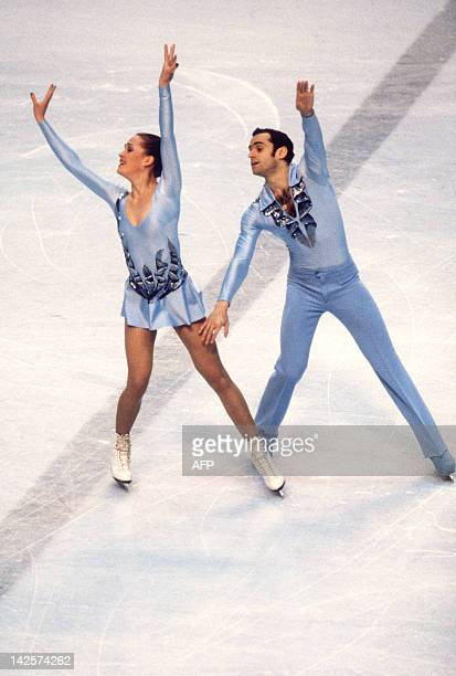 Russian figureskaters Natalia Linichuk and Gennadi Karponosov the gold medal winners in action 20 February 1980 at the Winter Olympic Games in Lake...