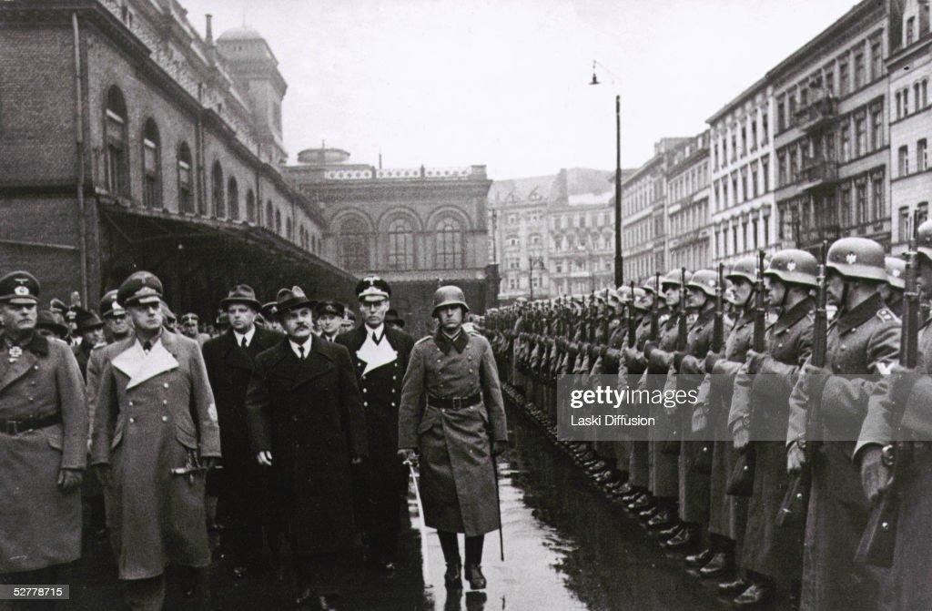 Ribbentrop And Molotov : News Photo