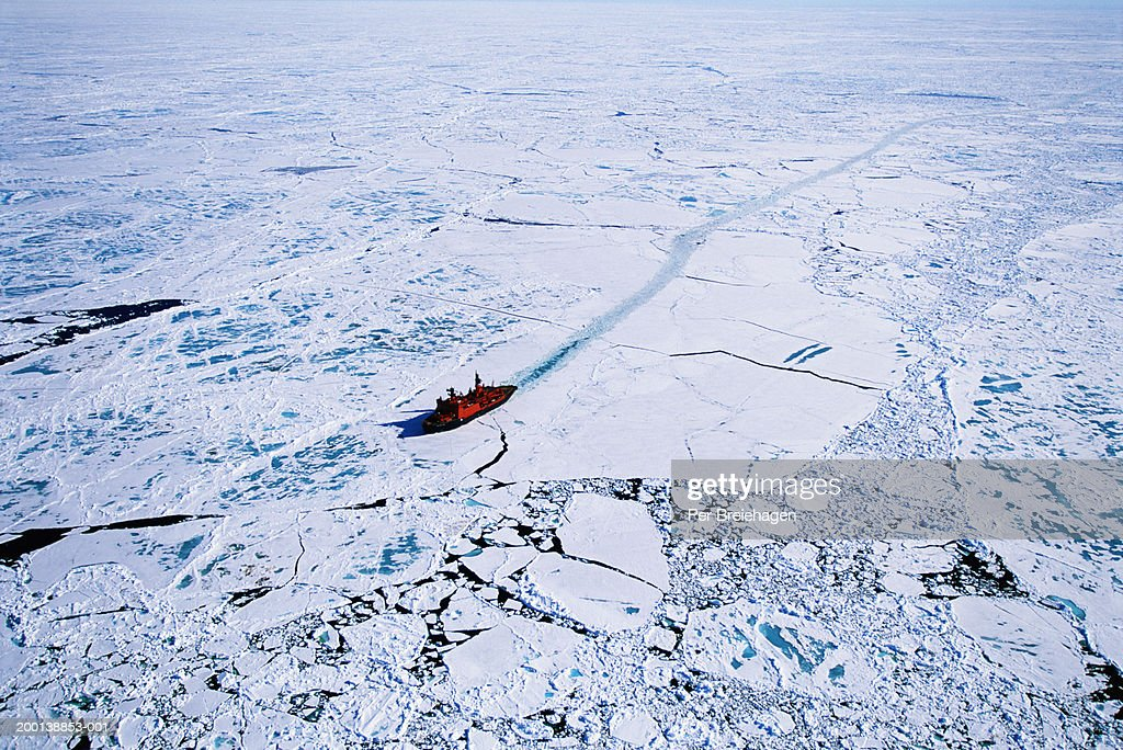 Russian nuclear icebreaker clearing path to North Pole, aerial view : ストックフォト