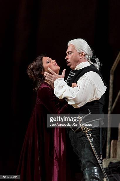 Russian operatic soprano Anna Netrebko and baritone Dmitri Hvorostovsky perform at the final dress rehearsal prior to the season premiere of the...
