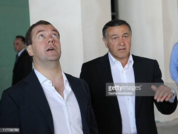 Russian President Dmitry Medvedev and billionaire Aras Agalarov are visiting a newly built complex of Far Eastern State University at Russky Island...