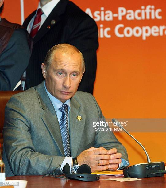 Russian President Valadimir Putin attends a leaders retreat of the Asia-Pacific Economic Cooperation's 21 leader-summit opened 08 September 2007 in...
