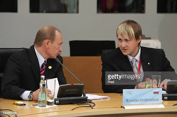 Russian President Vladidmir Putin speaks to his J8 participant during for a meeting during the first day of the G8 Summit on June 7 2007 in...