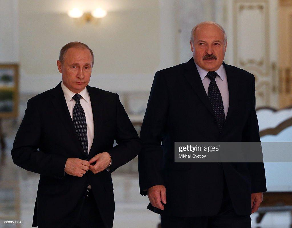 Russian President Vladimir Putin Visits Belarus : Nachrichtenfoto