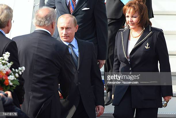 Russian President Vladimir Putin and his wife Ludmila Alexandrowa Putina are welcomed by MecklenburgWestern Pomerania's State Premier Harald...