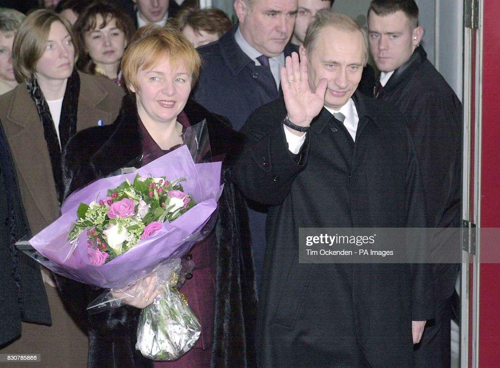 Putin visits Britain : News Photo