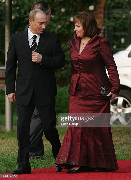 Russian President Vladimir Putin and his wife Lyudmila Putina arrive at the opening dinner of the G8 summit at Heiligendamm June 6 2007 at Hohen...