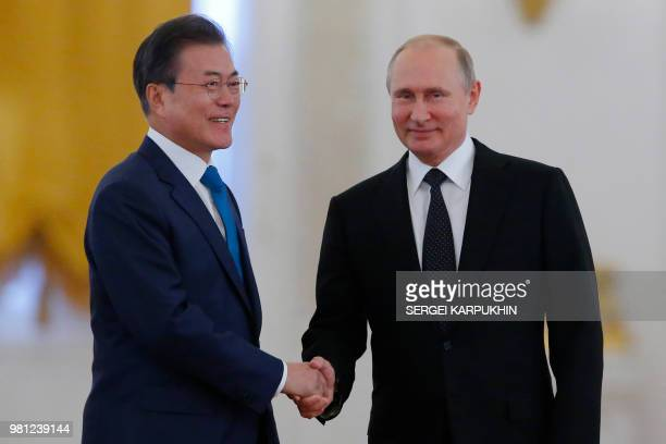 Russian President Vladimir Putin and South Korean President Moon Jae-in attend a welcoming ceremony at the Kremlin in Moscow, Russia on June 22, 2018.
