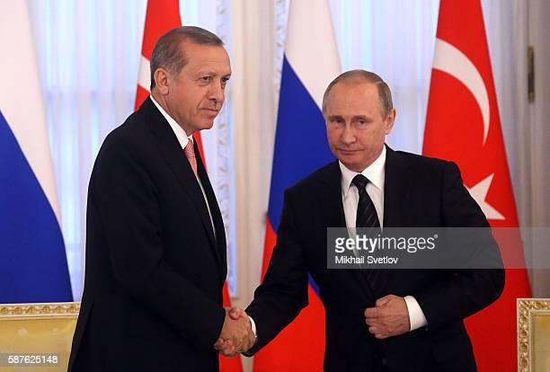 PETERSBURG RUSSIA AUGUST 9 Russian President Vladimir Putin and Turkish President Recep Tayyip Erdogan seen during their press conference in...
