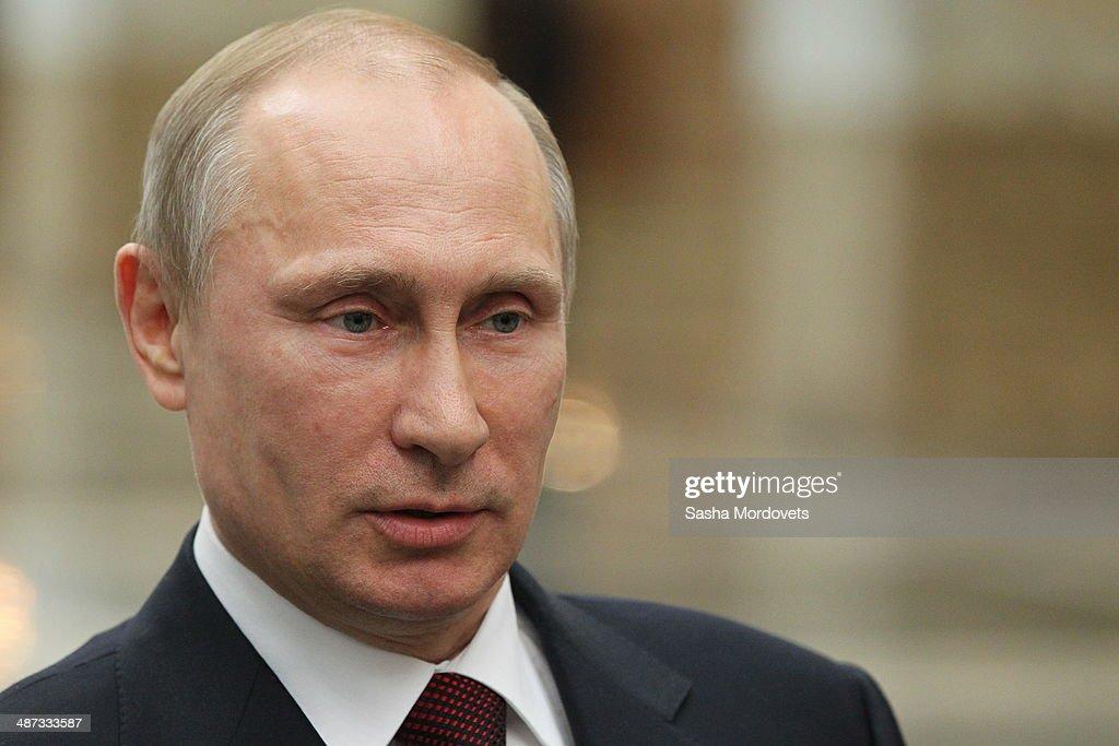 Russian President Vladimir Putin Visits Belarus : News Photo