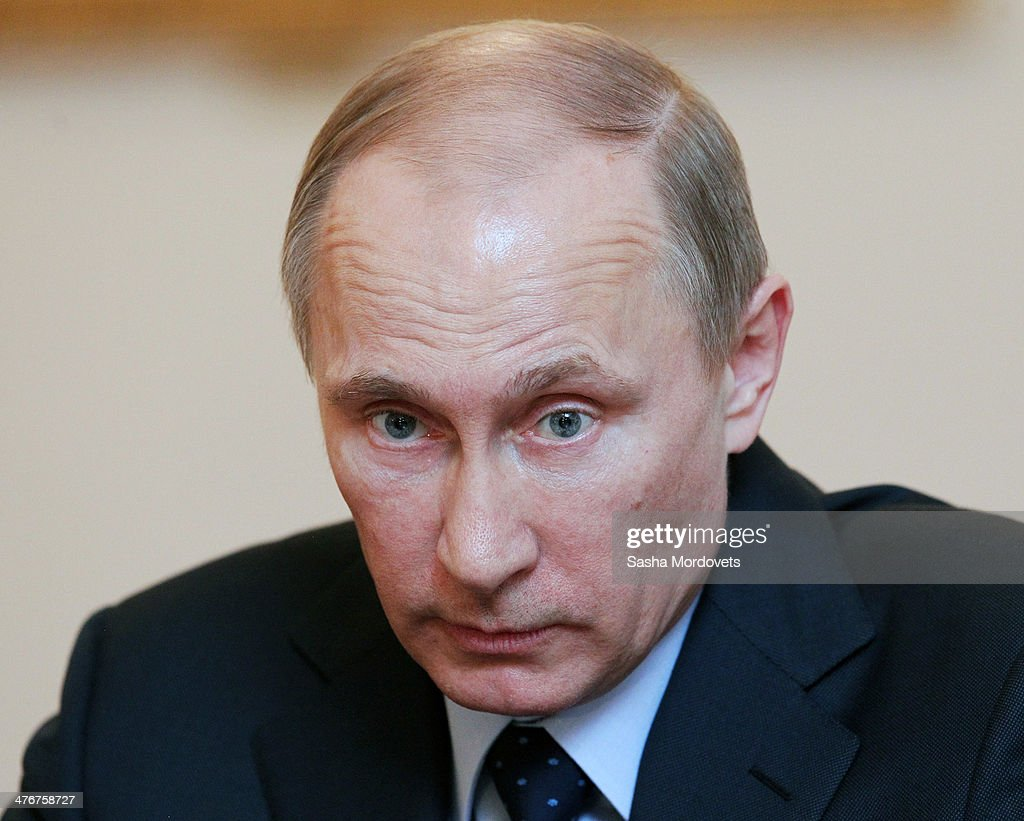 Putin Attends The Summit Of Eurasian Economic Cooperation Council : News Photo