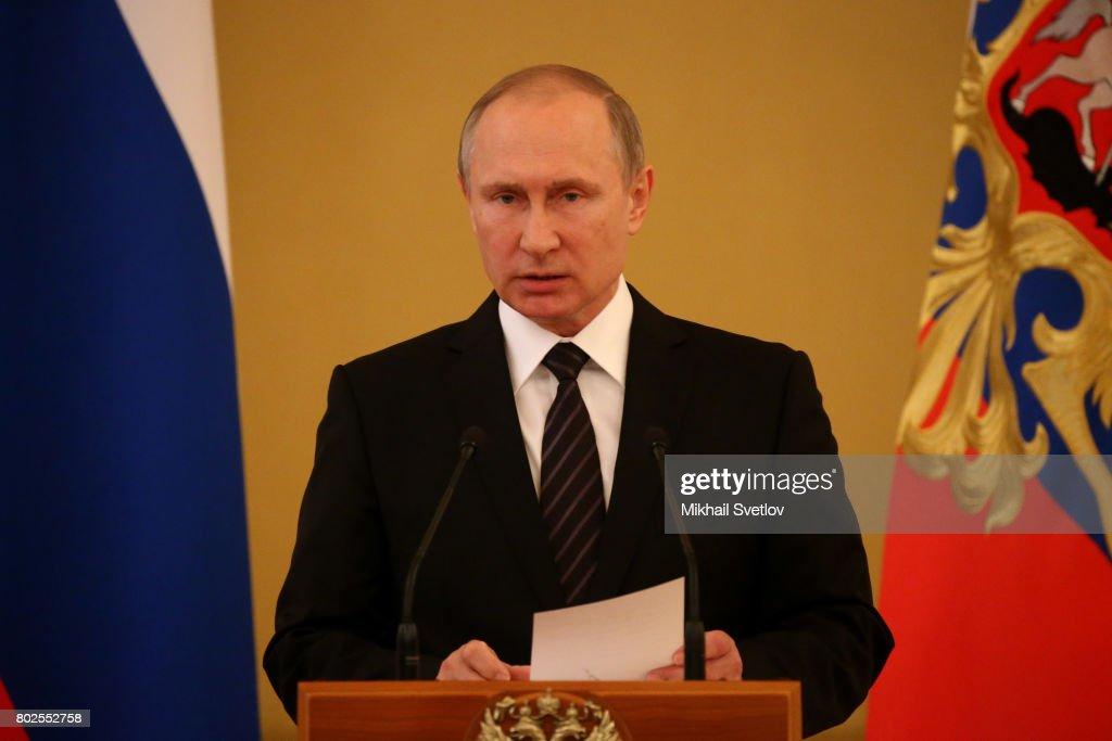 Russian President Vladimir Putin attends the reception at the Kremlin : News Photo