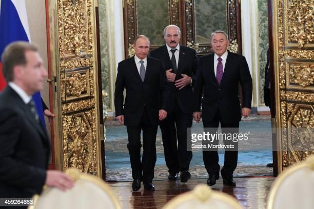 Russian President Vladimir Putin Kazakh President Nursultan Nazarbayev and Belarusian President Alexander Lukashenko attend a meeting of the Supreme...
