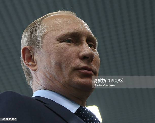 38 Russian President Vladimir Putin Visits New Moscow Oceanarium Photos And Premium High Res Pictures Getty Images