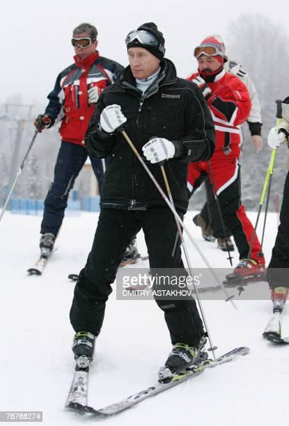 Russian President Vladimir Putin skis downhill at the Krasnaya Polyana skiing centre, outside the Black Sea resort of Sochi, 05 January 2007, the...