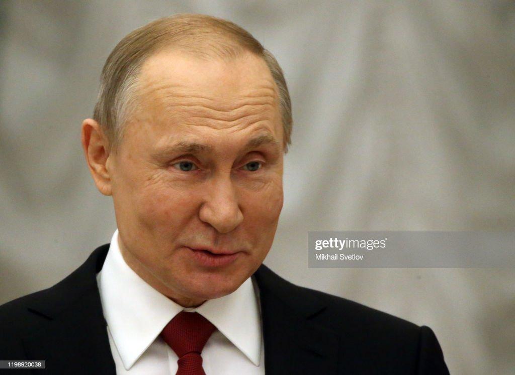 Russian President Vladimir Putin presents science and innovation awards at the Kremln : News Photo