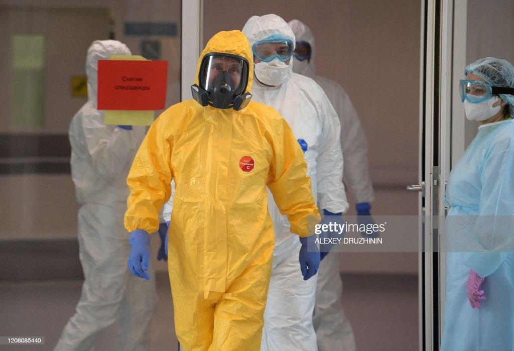 TOPSHOT-RUSSIA-HEALTH-VIRUS : News Photo