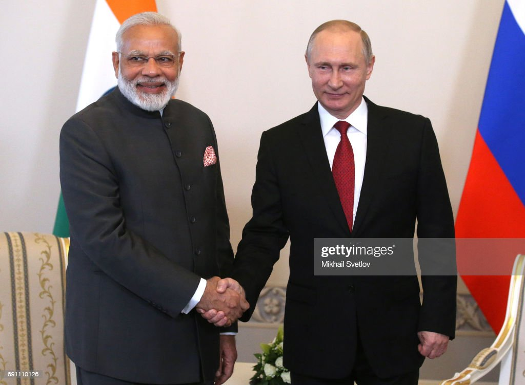 Indian Premier Modi meets with Vladimir Putin in Saint Peterbsburg