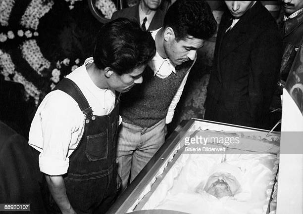 Russian revolutionary Leon Trotsky in his coffin in Mexico City August 1940 He was assassinated by NKVD agent Ramon Mercader with an ice axe
