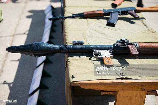 ロシア『-7 および AK -47
